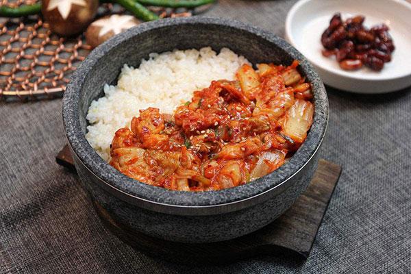 食趣石代石锅饭加盟前景如何?市场认可度高