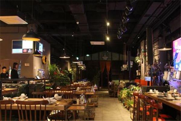 酒吧式餐厅加盟