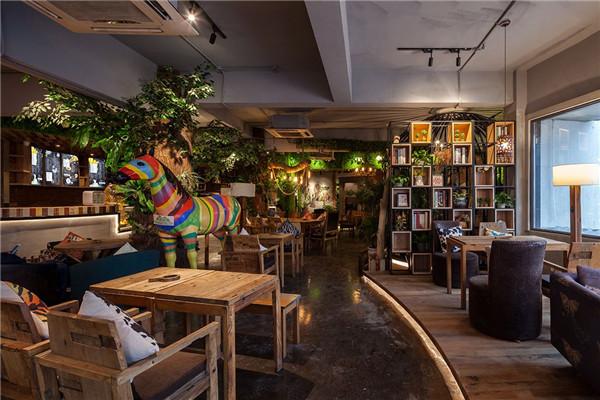 咖啡厅加盟多少钱?创业开一家咖啡厅赚钱吗?发展前景如何?