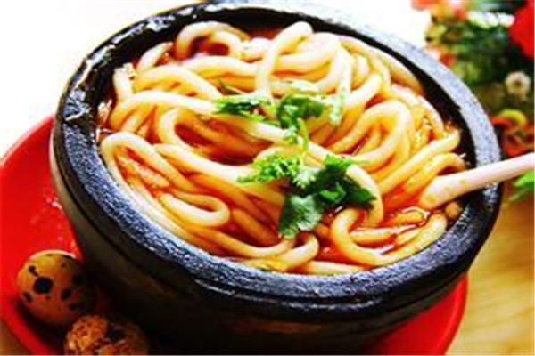 砂锅土豆粉加盟