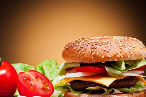 加盟加州汉堡多少钱呢?加盟这款美食的生意如何呢?