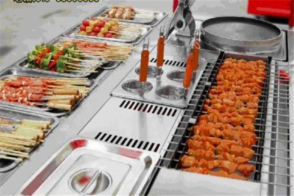 多功能烧烤小吃车加盟优势和条件是什么?都在下.