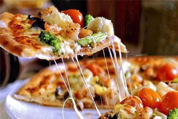 披疯披萨店加盟