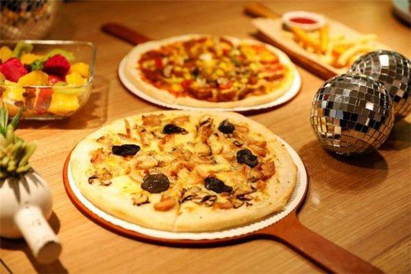 披疯比萨加盟利润空间怎么样?披萨加盟就是要选披疯披萨