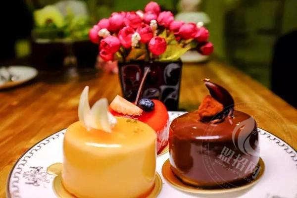 信阳红房子蛋糕加盟总部实力如何?加盟红房子蛋糕要多少钱?