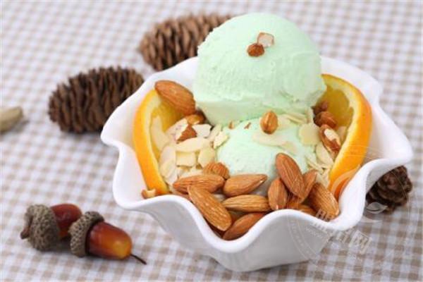 蒂兰圣雪冰淇淋