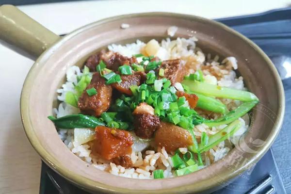 阿宏砂锅饭加盟费多少