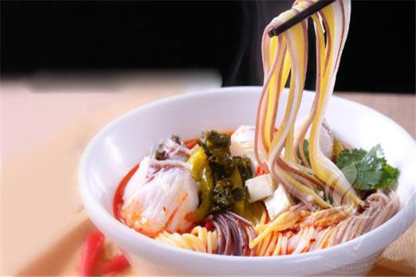 五味草堂五谷鱼粉加盟店在市场上有特别突出的优势吗?