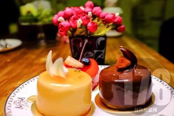甜心屋DIY蛋糕店加盟