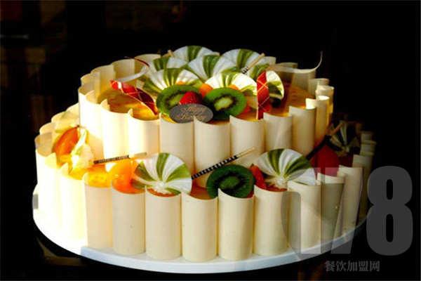 浮力森林蛋糕加盟怎么样?听说一人就能开店?