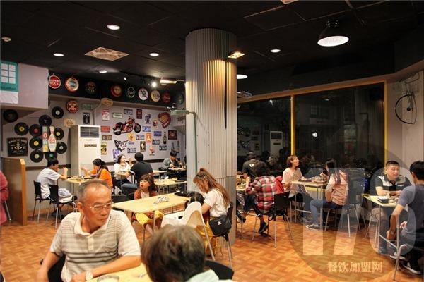 大城小爱餐馆可以加盟吗