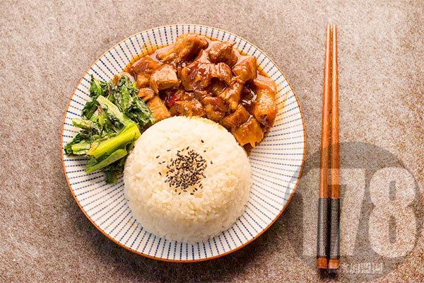 吉东家炝锅卤肉饭加盟怎么样:中式快餐投资可靠吗?