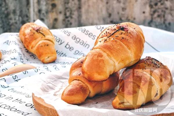 面包加盟市场如何?焙多芬为你打开幸福快乐烘焙工作