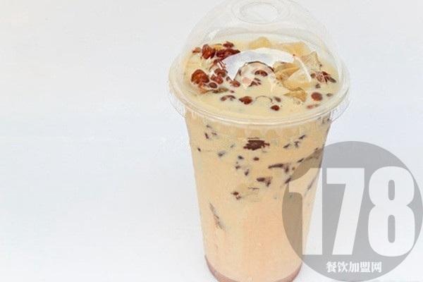 新疆rb奶茶加盟费要多少钱?怪不得这么多人关注它!
