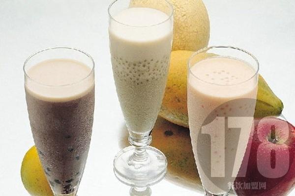 鹿角港奶茶加盟