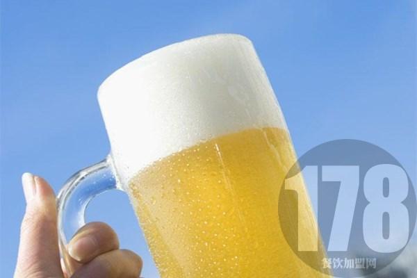 麦8度精酿啤酒全国多少家?强大品牌实力看得见