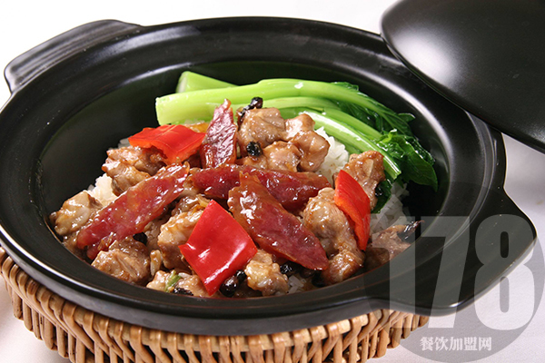 消费者对张吉记砂锅饭的评价如何?好口碑收获好生意