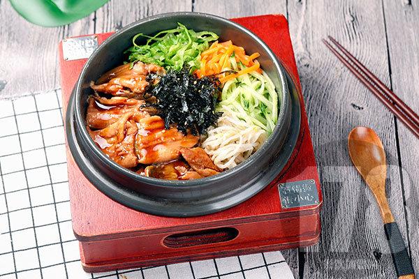 食趣石代捞锅饭加盟好不好?特色美味轻松坐拥大市场