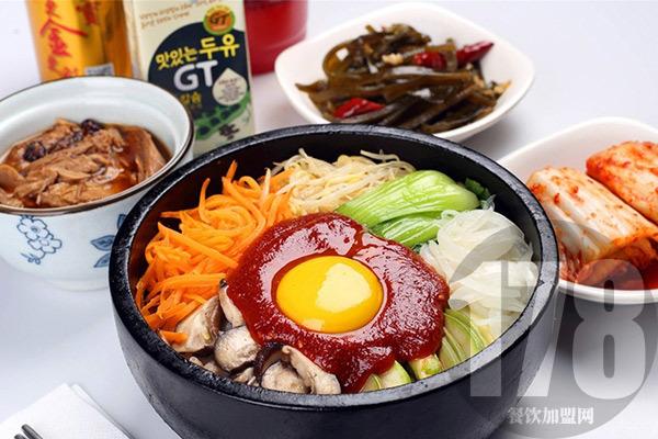 开一家韩式石锅饭加盟店怎么样?拌饭加盟你饿了吗!