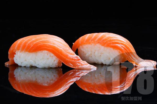加盟晓全寿司的价格是高是低