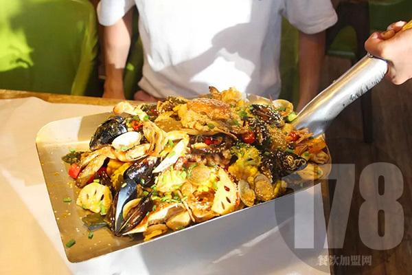 鱼鲜生特色菜餐厅加盟费多少?机会难得不能错过