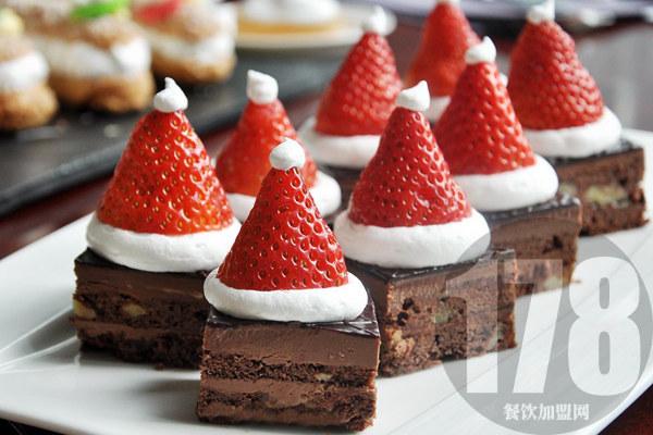 下雪的村庄甜品