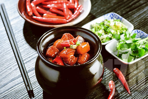 古色传香瓦罐小吃加盟费多少?低成本创业开店更容易